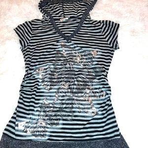 2 for $20🌺 MKM black and white striped butterfly shirt with hood